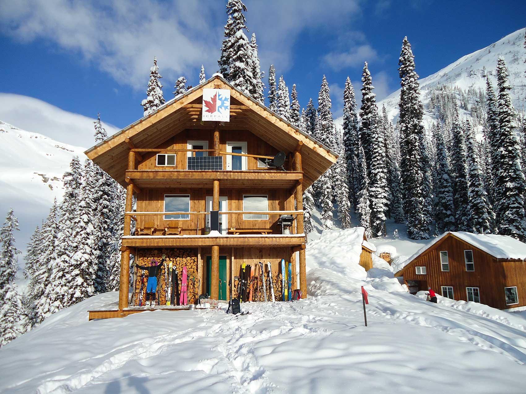 Icefall Lodge en las montañas Selkirk de Canadá